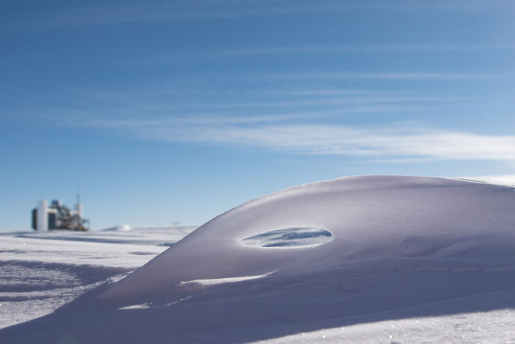 hole in snowdrift