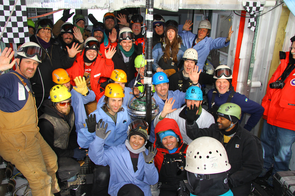 news_feat_five-years-since-icecube-neutrino-observatory-completion