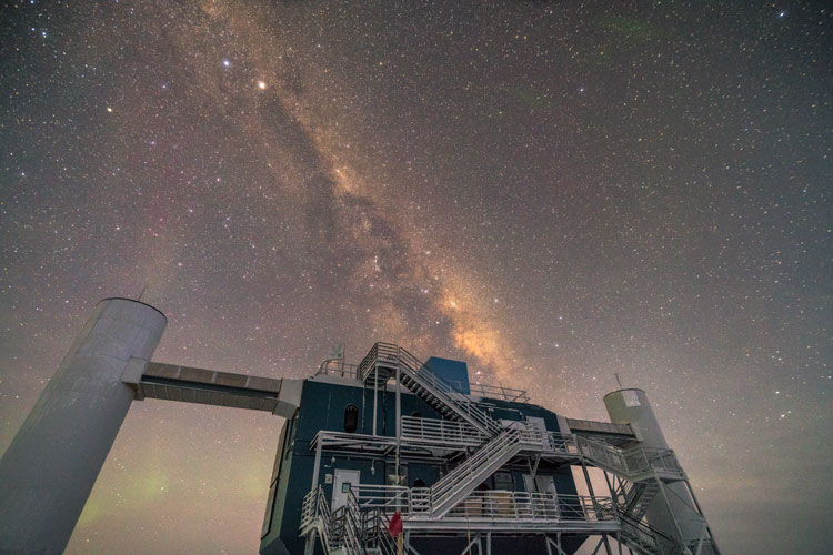 IceCube Lab under the Milky Way – 2017